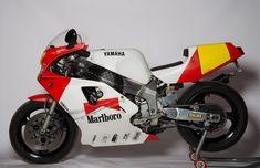 Yamaha 750 OW01 Motos Yamaha, Yamaha Motorcycles, Cars And Motorcycles, Sportbikes, Motorcycle Bike, Small Cars, Courses, Bicycles, Grand Prix