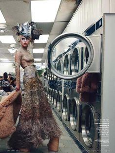 Lady Gaga by Annie Leibovitz Vanity Fair - January 2012 Connecticut, Lady Gaga Fashion, Fashion Art, Lady Gaga Outfits, Sexy Outfits, High Fashion, John Lennon, Mazzy Star, Annie Leibovitz Photography
