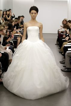 Vera Wang wedding dress Fall 2013 bridal 12