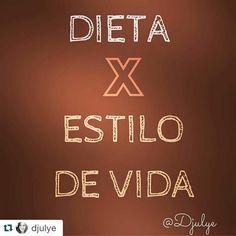 """Amei o texto#Repost @djulye with @repostapp #Repost meu mesmo porque suas escolhas determinam a direção Esses dias no snap alguém me falou que assim como eu não gosto muito do termo saudável a pessoa não gosta de chamar o modo de se alimentar de """"dieta"""" e sim de Estilo de Vida. E embora o termo dieta tem origem do grego """"díaita"""" que significa Modo de viver Eu CONCORDO MUITO! Porque... Dieta: Começa na 2ª e vai até 6ª. Não existe nos feriados e finais de semana (ou você burla se sente culpado…"""