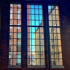 Inside turning to outside. #highline #highlinenyc #nyc #newyork #newyorkcity #manhattan #chelsea #wanderlust #travel #architecture #urban #meatpackingdistrict #usa #newyork_instagram #highlinepark #architecturephotography #prospettive #prospective #newyork2016 #midtown #architecture #westchelsea #windows #window #westsidenewyork #westsidechelsea