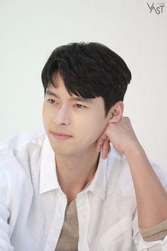 Korean Celebrities, Korean Actors, We Bare Bears Wallpapers, Live Wallpapers, Soul Songs, Handsome Prince, Bear Wallpaper, Hyun Bin, Korean Artist
