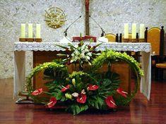 Altar Flowers, Church Flowers, Funeral Flowers, Church Altar Decorations, Wedding Decorations, Large Flower Arrangements, Wedding Altars, Flower Names, Special Flowers