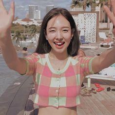 Girl D, Cute Baby Girl, Cool Girl, Extended Play, Mamamoo, South Korean Girls, Korean Girl Groups, Twice Video, Park Jimin Cute