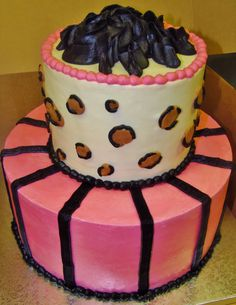 eef508707cf09b01036d4aca900dbf05  tier cake cheetah print Special Birthday Cake Designs Minnie Mouse In  Layer Cake Design In All Buttercream W