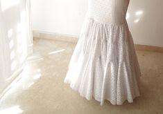 Análisis de 8 faldas diferentes. Aprende que base y volantes tiene cada una. Flamenco Costume, Flamenco Dresses, Tulle, Flower Girl Dresses, Costumes, Sewing, Wedding Dresses, My Style, How To Wear