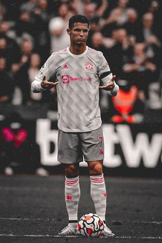 Cristiano Ronaldo, Cr7 Wallpapers, Football Wallpaper, Manchester United, Soccer, Hipster, The Unit, Angel, Style