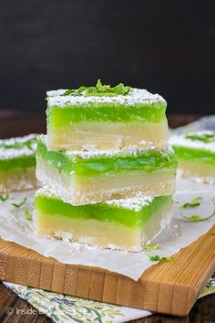 Key Lime Bars - layers of sweet cookie crust and tart key lime filling make these the best bar recipe for summer picnics and parties!