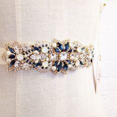 Cristal de Swarovski cinturón nupcial por HelenaNoelleCouture