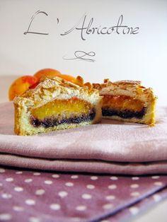 J'en reprendrai bien un bout...: L'Abricotine - tarte abricots, cassis, amande-