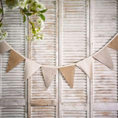 DIY Burlap Bunting Kit | #exclusivelyweddings