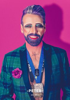 These Men And Their Glitter Beards Will Challenge How You Think About Gender Rupaul, Glitter Beards, Glitter Hair, Glitter Lipstick, Glitter Boots, Pink Glitter, Male Makeup, Full Face Makeup, Make Carnaval