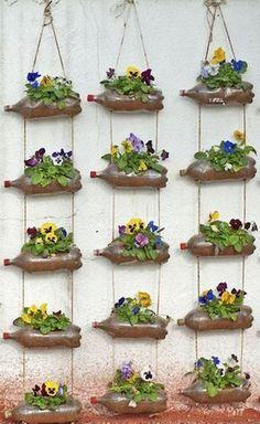 80 Awesome Spring Garden Ideas for Front Yard and Backyard garden Garden Crafts, Garden Projects, Garden Art, Garden Deco, Outdoor Projects, Vertical Garden Design, Vertical Gardens, Vertical Planting, Jardim Vertical Diy