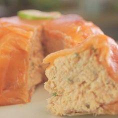 saumon frais, saumon fumé, fromage frais, poivre, Sel, tomate cerise, ciboulette