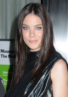 Michelle Monaghans sleek, brunette hairstyle
