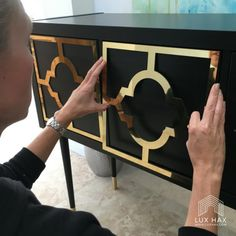 The IKEA Kallax series Storage furniture is an essential part of any home. Elegant and wonderfully simple the shelf Kallax from Ikea , for example. Ikea Hack, Easy Home Decor, Furniture Overlays, Ikea, Kallax Ikea, Luxury Interior Design, Home Diy, Furniture Hacks, Diy Furniture