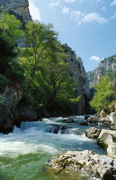 "The river ""Aude"" in the Gorges of the Pierre Lys. www.audetourisme.com"