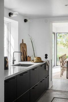 Home Interior Kitchen Interior Kitchen Target Home Decor, Retro Home Decor, Fall Home Decor, Black Kitchens, Home Kitchens, Kitchen Interior, Kitchen Decor, Interior Livingroom, Interior Modern