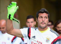 """Julio César diz que quer se aposentar no Benfica: """"Me abriu as portas"""" #globoesporte"""