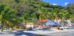 Martinique est connue pour beaucoup de choses : la gastronomie, la culture, l'art, et, bien sûr, les célèbres distilleries de rhum. Mais peu sont conscients de l'ampleur, du nombre de plages exceptionnelles en Martinique et les larges plages de sable blanc aux criques et recoins isolés. Découvrez la Martinique à travers ses meilleures plages. St Barth L'île glamour de St Barth est une des meilleures destinations de plage des Caraïbes. Elle présente des bandes immaculées de sable et des eaux…