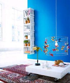Armário de caixa de frutas / Furniture made of Fruit Boxes: http://www.casafeitaemcasa.com/search?updated-max=2011-08-11T21:24:00-03:00=10=true#
