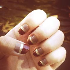 fall leaves, fall breeze, fall nails {burgundy-gold-taupe}   -Mercy (nail art , diy )