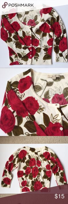 "F21 Floral Cropped Cardigan Sweater 🌹 F21 floral cropped cardigan sweater. Beautiful, vibrant colors. Cream base with magenta roses and green leaves. 15"" pit to pit, about 18"" in length. Shoulder to sleeve 16.5"". Forever 21 Sweaters Cardigans"