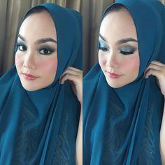 @vitriecassandra #makeup #makeuplook #makeupclass #makeupartist #makeupparty #makeupwisuda #makeuprevolution #muaindonesia #muamalaysia #mua #muabandung #makeupoftheday #makeupartistsworldwide #makeuptransformation #beauty #hijabstyle #hijabi #hijabers #hijabsyari #instagram #instadaily by rekhalena