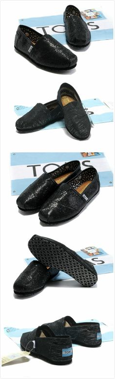Toms Outlet! $16.89