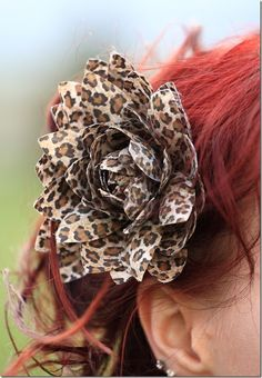 One of my very favourite hair flowers ever. #vintage #hair #redhead #leopard #flower #fashion