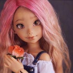 https://flic.kr/p/rVNsMK | Someone borrowed Rei's wig @apoemwithnowords I think she wants her own wig from you #doll #bjd #artistdoll #nena02 #cute #art #ateliermomoni