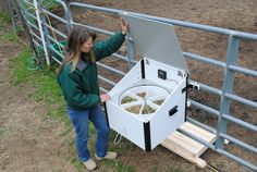 Automated Horse Feeder - Slow timer  http://www.equineautomation.com/slide-show.html