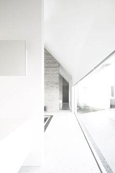 Satoru Hirota Architects- Lik House -Tokyo, Japan 2010.