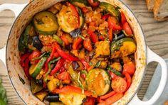 5 Ιδέες για να μαγειρέψεις σήμερα! | ediva.gr Baked Tomato Recipes, Vegetable Recipes, Vegetable Sides, Low Fat Vegetarian Recipes, Healthy Recipes, Easy Recipes, Keto Recipes, Traditional Ratatouille Recipe, Clean Recipes