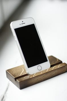 wooden stand for iPhone