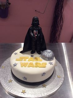 Tarta de Darth Vader para un fan de Star Wars