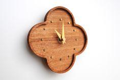 くるみの小さな壁掛け時計の画像3枚目