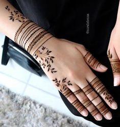 Trendy and stunning 140 finger mehndi designs for 2020 brides! Trendy and stunning 140 finger mehndi designs for 2020 brides!,Henna designs hand Trendy and stunning 140 finger mehndi designs for 2020 brides! Mehndi Designs Finger, Henna Tattoo Designs Simple, Back Hand Mehndi Designs, Full Hand Mehndi Designs, Mehndi Designs 2018, Henna Art Designs, Modern Mehndi Designs, Mehndi Designs For Girls, Mehndi Design Photos