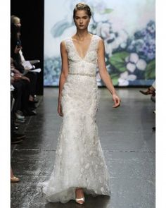 Monique Lhuillier this dress is perfect for the Spanish bride