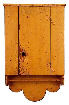 Town and Country Furniture Primitive Painted Furniture, Primitive Cabinets, Colonial Furniture, Primitive Kitchen, Primitive Antiques, Country Furniture, Country Primitive, Armoire Antique, Antique Cupboard
