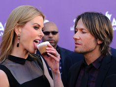 This cracks me up! Looks like he wants to lick her! #ACMs