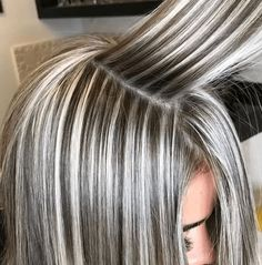 Frisuren 40 Gorgeous Gray Hair Styles Ideas This Year Gray Hair Highlights, Hair Color Balayage, Heavy Highlights, Blonde Foils, Blonde Color, Blonde Balayage, Hair Color And Cut, Cool Hair Color, Brunette Hair