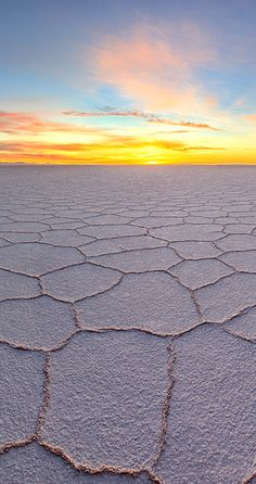 Uyuni desert in Bolivia - looks like a different, planet does it? #desert #sunset - #GuessQuest