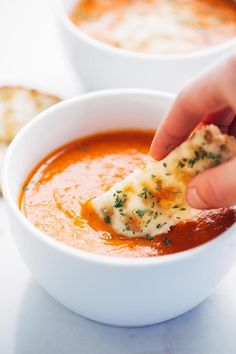 Simple Homemade Tomato Soup - perfect for dipping! (I didn't puree the bacon with the rest of the soup, I put it on top, very yummy) Beef Soup Recipes, Tomato Soup Recipes, Chili Recipes, Cooking Recipes, Healthy Recipes, Tomato Dishes, Simple Recipes, Tomato Soups, Best Tomato Soup
