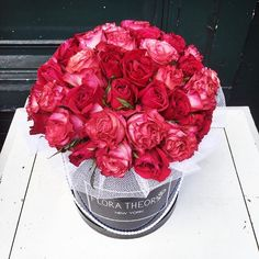 50 shades of red  #floratheory #flowerbox #50roses #gardenroses