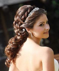 Half up half down hair style | elegant hairdo | bridal wedding | diamond rhinestone hairband | curls | classy | beautiful | pretty | princess | royal | brunette | twist braid