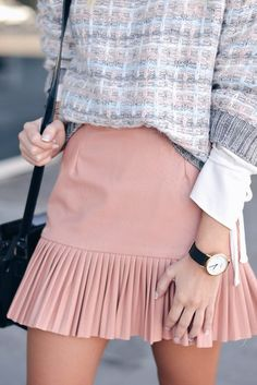 Outfit for business casual round of sorority recruitment Skirt Outfits, Casual Outfits, Classy Outfits, Cute Outfits, Dress Skirt, Ruffle Skirt, Look Fashion, Fashion Outfits, Fashion Trends