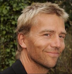 † Antonie Kamerling (August 1966 - Oktober Dutch actor and singer, o. known from the Dutch soapopera 'Goede Tijden, Slechte Tijden' and the series and movie of 'All Stars'. Music Mix, Good Music, My Music, Beautiful Songs, Beautiful People, Dutch Actors, Nostalgic Pictures, Types Of Music, Greatest Songs