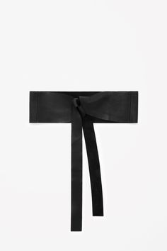 Wide tie-up leather belt