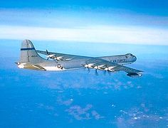 USAF Convair B-36 Peacemaker strategic bomber. Us Military Aircraft, Military Jets, Military Weapons, Drones, Us Bombers, War Jet, Strategic Air Command, Ww2 Planes, Military Photos
